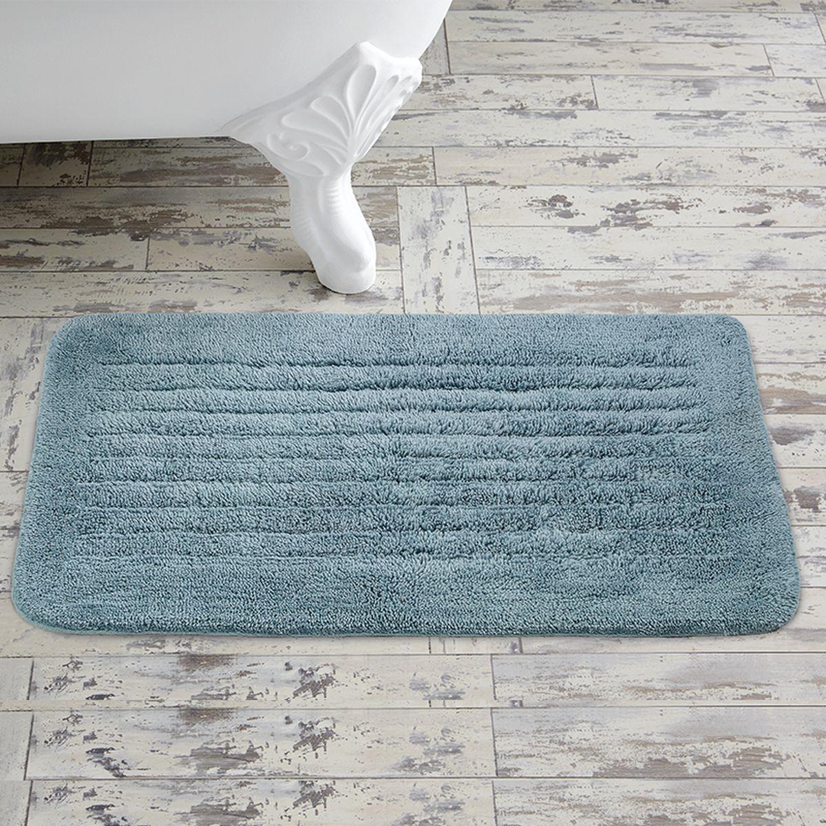 Коврик для ванной Togas Аква, 50 х 80 см391602Коврик для ванной Togas Аква выполнен из натурального 100% хлопка. Элегантный дизайн, исключительная мягкость и прочность хлопковых нитей, использованных для изготовления этого изделия делают его неподражаемым. Коврик для ванной Togas Аква прост в уходе, обладает высокой степенью впитываемости, не образует катышков даже после многократных стирок, что подтверждается его внешней эластичностью и гладкостью.