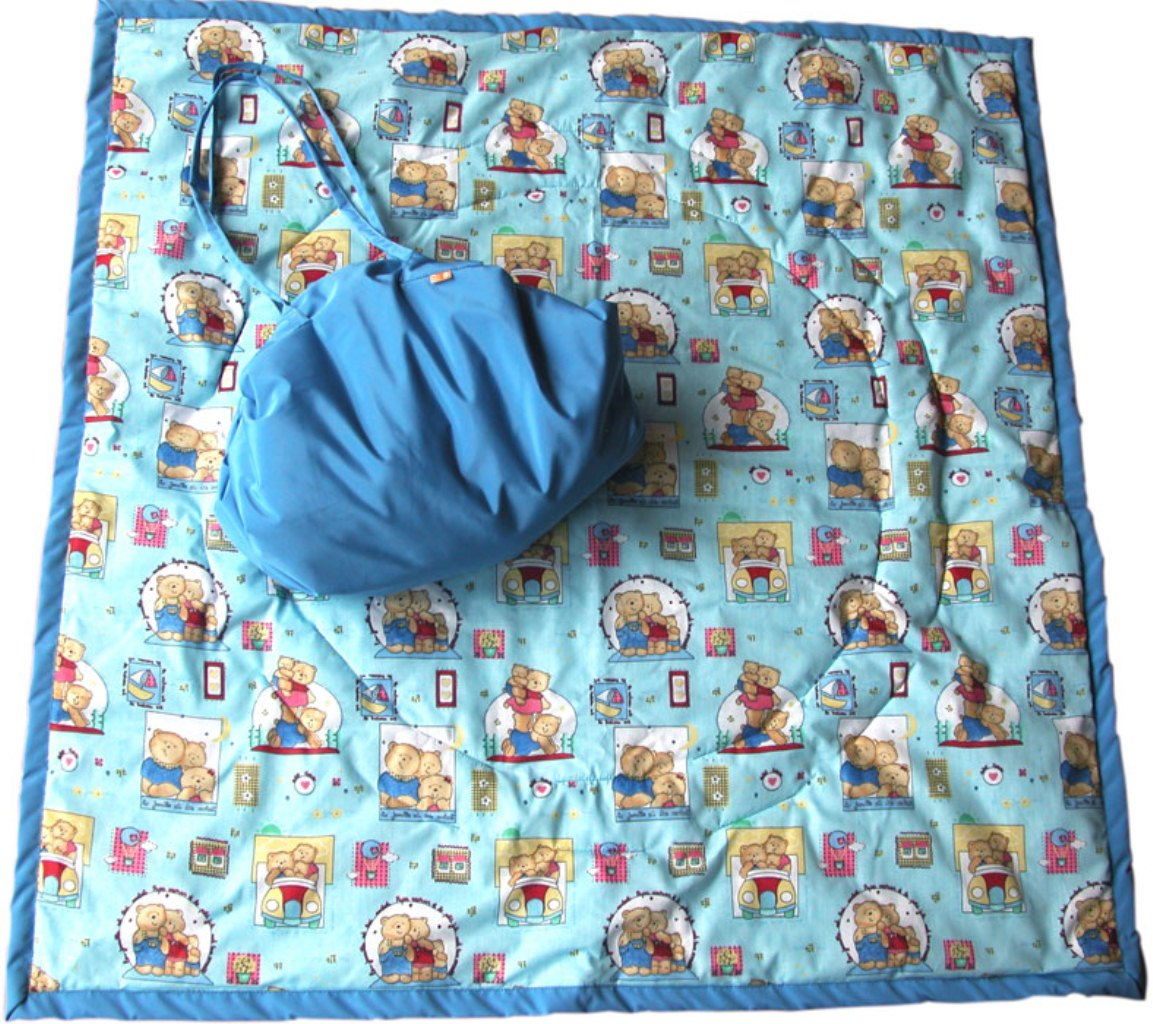 """""""Игровое место"""" для малыша, которое всегда с собой! Очень удобен для игр дома на полу или путешествий из комнаты в комнату вслед за мамой и папой, вместе с любимыми игрушками. Незаменим для походов в гости, поликлинику, спортзал… И, конечно, для выходов летом на природу!!! В сырое и холодное время года может использоваться как теплое, непромокаемое одеяло в коляску. Особенности: для дома и для улицы мягкий, теплоизолирующий водонепроницаемая внешняя ткань (не пропускает сырость и влагу) легко превращается во вместительную симпатичную сумку, в которую вместятся все любимые игрушки и другие детские принадлежности. Поиграли, сложили коврик – и игрушки готовы к переноске! не сминается, даже если очень активно ползать и шебуршиться по коврику - не требуется постоянно его расправлять Размеры: развернутый коврик - 110х110 см, сумка – 45х35 см"""