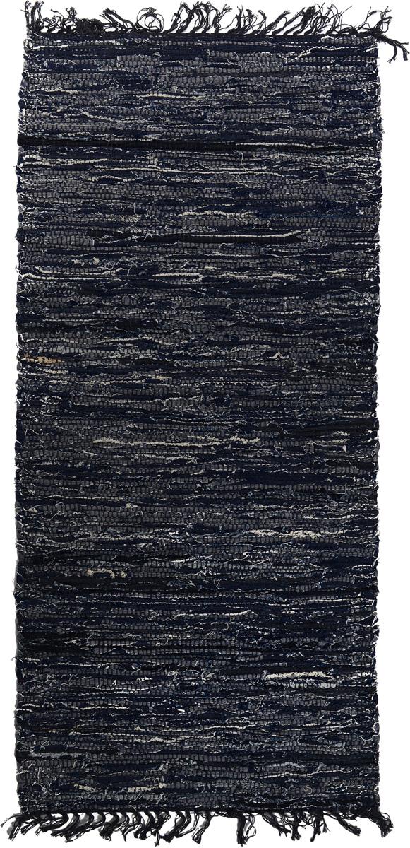 Коврик прикроватный Oriental Weavers Джинс, цвет: темно-синий, 80 x 140 см5773Прикроватный коврик Oriental Weavers Джинс выполнен по индийской технологии из высококачественных джинсовых лоскутов. Коврик долго прослужит в вашем доме, добавляя тепло и уют, а также внесет неповторимый колорит в интерьер любой комнаты.Такой коврик отлично подойдет к вашему интерьеру.