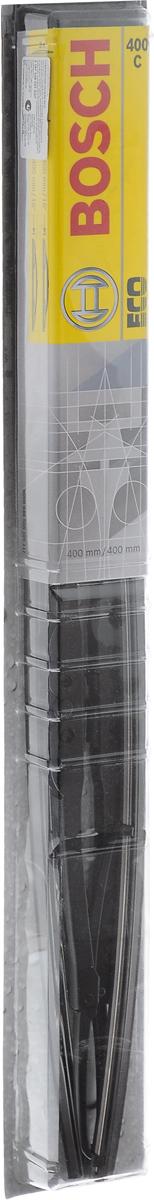 Щетка стеклоочистителя Bosch 400C, каркасная, длина 40 см, 2 шт3397005027Щетка Bosch 400C - функциональный стеклоочиститель с металлическими скобами, который характеризуется хорошей эффективностью очистки и качеством. Каркас щетки выполнен из металла с антикоррозийным покрытием и имеет форму, способствующую уменьшению подъемной силы на высоких скоростях. Натуральная резина щетки с графитовым напылением обеспечивает тщательность очистки. Щетка имеет крепление крючок. Быстрый монтаж, благодаря предварительно установленному универсальному адаптеру Quick Clip.Комплектация: 2 шт.
