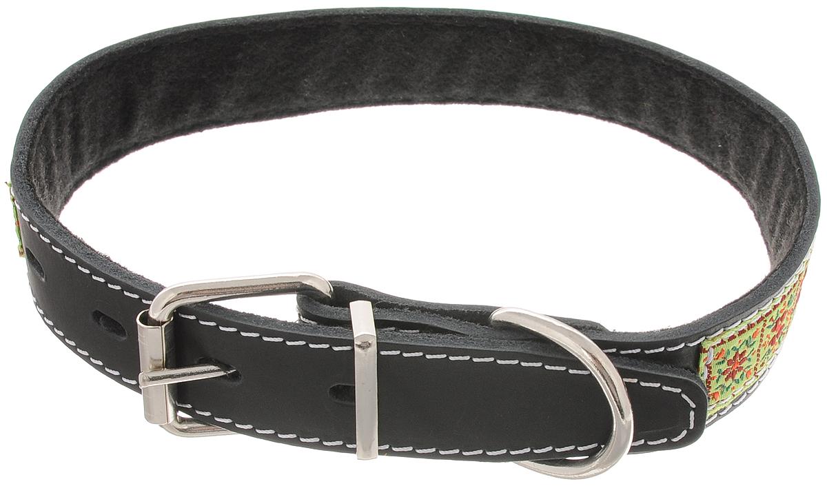 Ошейник для собак Каскад Классика, цвет: черный, зеленый, ширина 3 см, обхват шеи 44-53 см0120710Ошейник для собак Каскад Классика изготовлен из кожи и декорирован оригинальной тесьмой. Он устойчив к влажности и перепадам температур. Внутренняя сторона ошейника выполнена из синтепона. Клеевой слой, сверхпрочные нити, крепкие металлические элементы делают ошейник надежным и долговечным.Обхват ошейника регулируется при помощи пряжки. Ошейник оснащен металлическим кольцом для крепления поводка. Изделие отличается высоким качеством, удобством и универсальностью. Минимальный обхват шеи: 44 см. Максимальный обхват шеи: 53 см. Ширина ошейника: 3 см. Длина ошейника: 64 см.