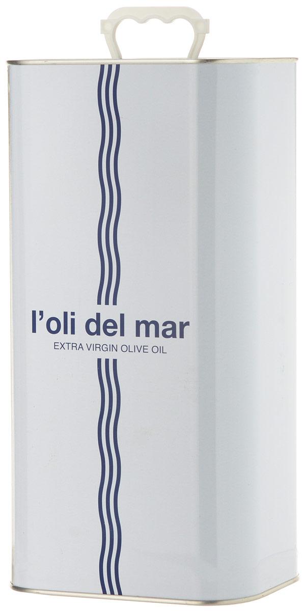 Loli del Mar Extra Virgin Арбекина масло оливковое, 5 л0120710Loli del Mar Extra Virgin Арбекина - нерафинированное оливковое масло первого холодного отжима, лимитированного выпуска. Оно производится из оливок сорта Арбекина (Arbequina), которые выращиваются в регионе Террагона (Каталония).Оливковое масло из сорта Арбекина (Arbequina) - это легкая и нежная текстура. Его вкус сладкий и фруктовый, с оттенками яблока и миндаля. Аромат - очень свежий и фруктовый. Особенно рекомендуется для овощей (свежих или вареных) и рыбы (на пару или на гриле).Продукт был награжден Золотой медалью Продэкспо-2016 за вкус и качество! Дизайн алюминиевой емкоститакже был отмечен премией на конкурсе LiderPack. Идея дизайна отражает философию марки - соединения средиземноморских традиций, моря, солнца и оливкового масла. Оливковое масло - основа средиземноморской диеты.