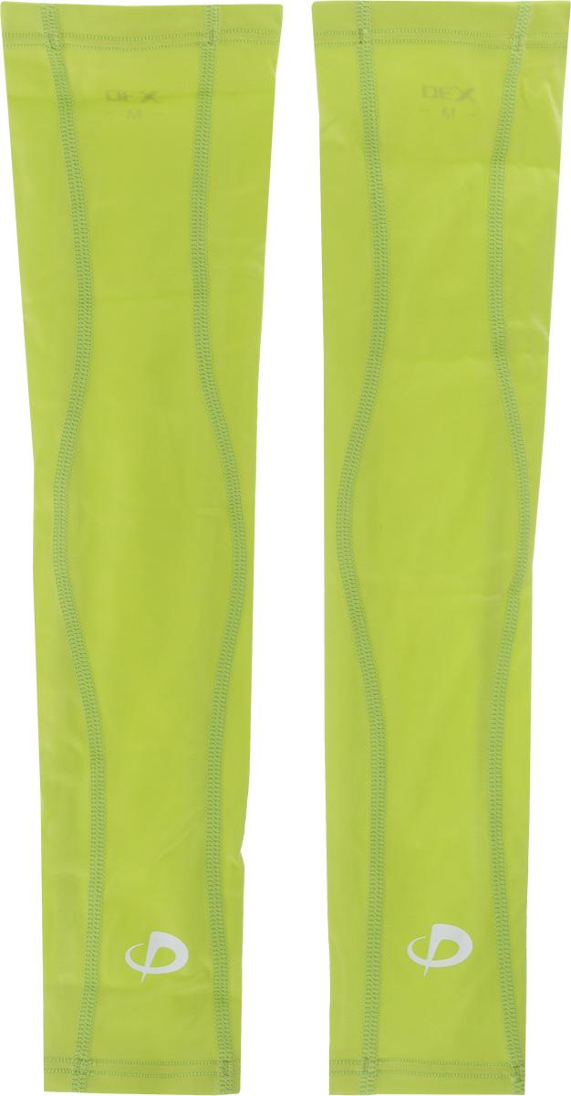Рукав силовой Phiten X30 Long, цвет: салатовый, 2 шт. Размер L (26-32 см)AIRWHEEL M3-162.8Рукав силовой Phiten X30 Long, выполненный из 85% полиэстера и 15% полиуретана, идеально подходит для поддержки и увеличения силы мышц (плеча/предплечья) спортсменов. Рукав снимает мышечное напряжение, повышает выносливость и силу мышц. Он мягко фиксирует суставы, но при этом абсолютно не стесняет движения.Благодаря пропитке из акватитана с фактором X30, рукав увеличивает эластичность мышц и связок, а также хорошо поглощает и испаряет пот, что позволяет продлить ощущение комфорта при тренировках.Изделие специально разработано таким образом, чтобы соответствовать форме руки и обеспечить плотное прилегание, а благодаря инновационным материалам, рукав действительно поможет вам в процессе тяжелой тренировки или любой серьезной нагрузки.Силовой рукав Phiten X30 Long способствует:- улучшению циркуляции крови в организме;- разгрузке поврежденного сустава; - уменьшению усталости;- снятию излишнего напряжения и скорейшему восстановлению сил;- обеспечивает компрессионный эффект.Обхват предплечья: 26-32 см. Длина рукава: 39 см. Комплектация: 2 шт.