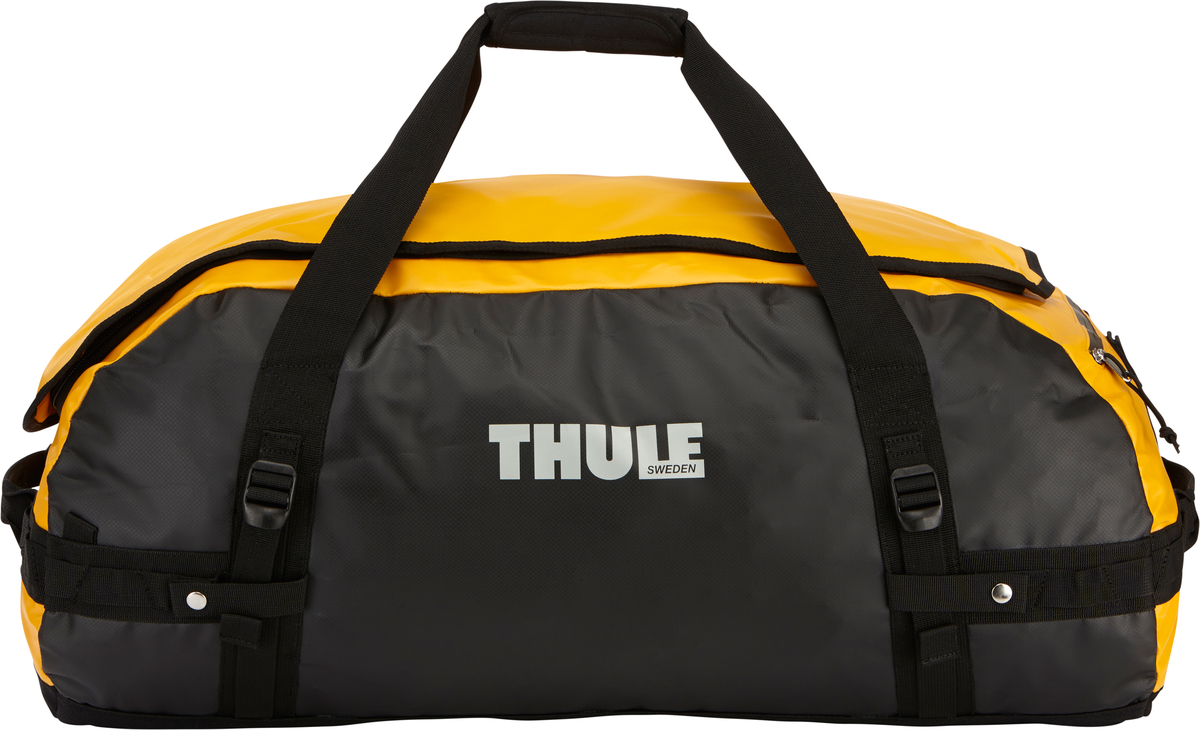 Туристическая сумка-баул Thule Chasm L, цвет: оранжевый, черный, 90 л203100Thule Chasm Large - эта жесткая, устойчивая к неблагоприятным погодным условиям сумка с широко раскрывающимся основным отделением и съемными ремнями — ваш надежный спутник в любой поездке. Широко раскрывающееся отделение делает загрузку оборудования в сумку очень удобным. Боковые замки делают доступ к основному отделению удобным с любого угла Ремни складываются вдоль боковых сторон сумки. Ремни быстро превращают рюкзак в сумку. Прочная водонепроницаемая брезентовая ткань для удобной укладки вещей, которая легко складывается для хранения. Внутренние сетчатые карманы сохранят ваши вещи в порядке. Внешние фиксирующие ремни предотвращают содержимое сумки от падения на дно, когда она используется как рюкзак. Уплотненная нижняя часть сумки обеспечивает мягкое соприкосновение с землей. Блокировка застежки-молнии для защиты от воров (замок продается отдельно). Внешний сетчатый карман для небольших предметов.Размер сумки: 74 x 42 x 33 см.