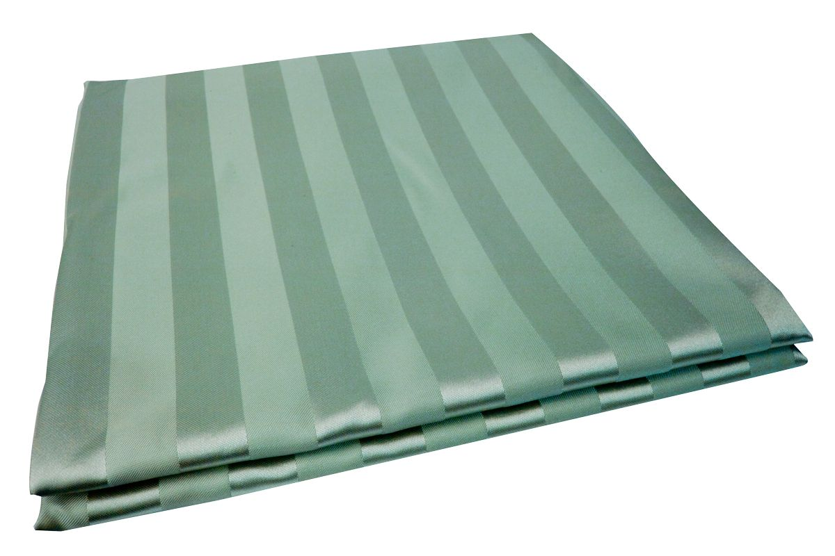 Штора для ванной комнаты Vanstore Zober, цвет: зеленый, 180 х 180 см391602Штора для ванной комнатыVanstore Zober, изготовленная из высококачественного полиэстера, приятна на ощупь, устойчива к разрывам и проколам и не пропускает воду. Снабжена утяжеляющей полоской, не позволяющей занавеске мяться. Она надежно защитит от брызг и капель пространство вашей ванной комнаты в то время, пока вы принимаете душ, а привлекательный дизайн шторы наполнит вашу ванную комнату положительной энергией.