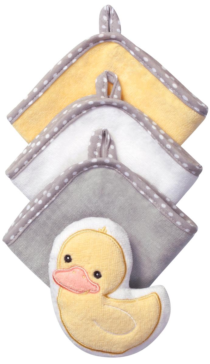 BabyOno Набор для купания УткаМС41Набор для купания BabyOno Утка включает в себя 3 моющие рукавиц велюр и губку в виде зверюшки. Такой набор будет незаменим уже с первого купания. Идеален для купания ребёнка, а также для ежедневного ухода, в том числе для мытья рук и лица в течение дня. Набор изготовлен из высококачественного пушистого 100% хлопка, благодаря чему не раздражает нежную кожу ребёнка.