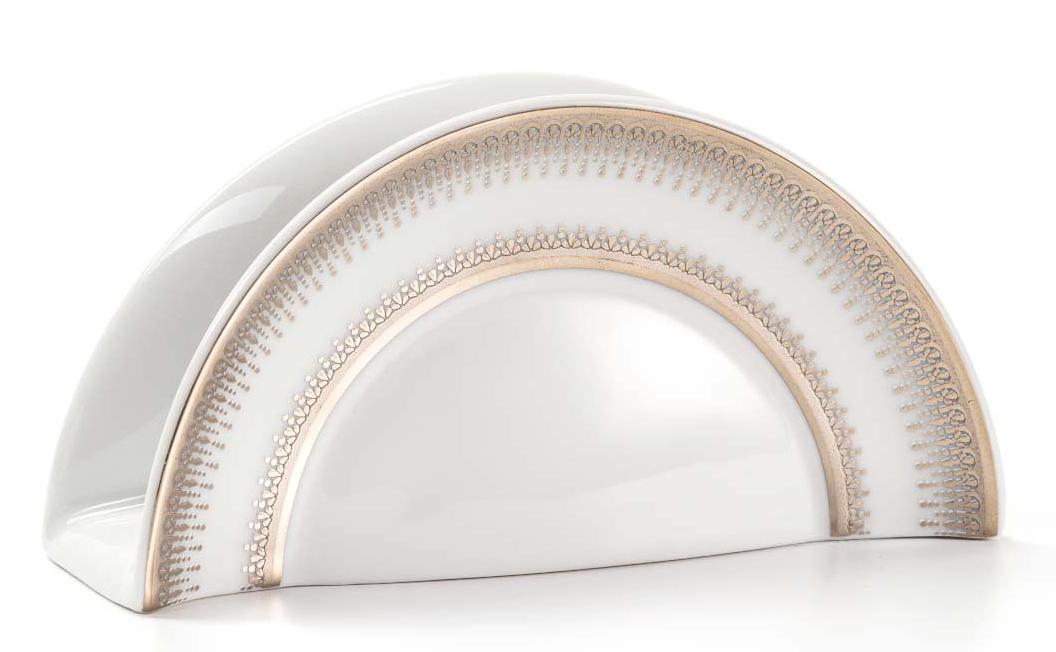 Подставка для салфеток La Rose Des Sables Princier PlatineVT-1520(SR)Элегантная посуда класса люкс теперь на вашем столе каждый день. Сделанные из высококачественного материала с использованием новейших технологий, предметы сервировки невероятно прочны и прекрасно подходят для повседневного использования. Классическая форма и чистота линий делает их желанными гостями на любом обеде. Уникальная плотность и тонкость фарфора достигается за счет изготовления его из уникальной глины региона Лимож (Франция). Посуда устойчива к сколам и трещинам благодаря двойному термическому обжигу. Золотой, серебряный декор посуды отличается высоким содержанием настоящего золота и серебра.