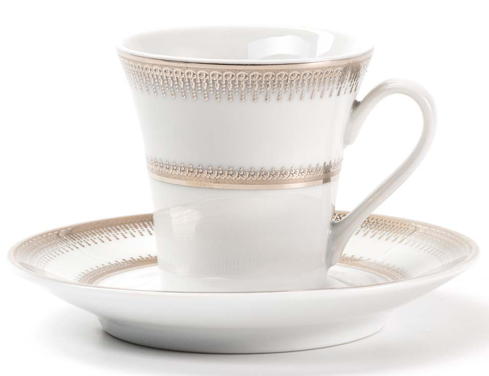 Чайная чашка La Rose Des Sables Princier Platine, 300 мгVT-1520(SR)Элегантная посуда класса люкс теперь на вашем столе каждый день. Сделанные из высококачественного материала с использованием новейших технологий, предметы сервировки невероятно прочны и прекрасно подходят для повседневного использования. Классическая форма и чистота линий делает их желанными гостями на любом обеде. Уникальная плотность и тонкость фарфора достигается за счет изготовления его из уникальной глины региона Лимож (Франция). Посуда устойчива к сколам и трещинам благодаря двойному термическому обжигу. Золотой, серебряный декор посуды отличается высоким содержанием настоящего золота и серебра.