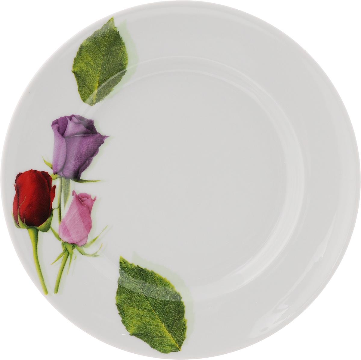 Тарелка Идиллия. Королева цветов, диаметр 19,5 см115510Тарелка Идиллия. Королева цветов изготовлена из высококачественного фарфора. Изделие декорировано красочным изображением. Такая тарелка отлично подойдет в качестве блюда, она идеальна для сервировки закусок, нарезок, горячих блюд. Тарелка прекрасно дополнит сервировку стола и порадует вас оригинальным дизайном. Диаметр тарелки: 19,5 см. Высота стенки: 2,5 см.