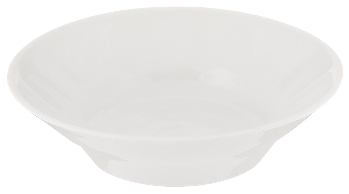 Блюдце для варенья Белье, диаметр 11 см115510Блюдце Белье, изготовленное из высококачественного фарфора, сочетает в себе изысканный дизайн с максимальной функциональностью. Оно идеально подходит для сервировки стола и подачи варенья, меда и других блюд. Такое блюдце прекрасно впишется в интерьер вашей кухни и станет достойным подарком к любому празднику.