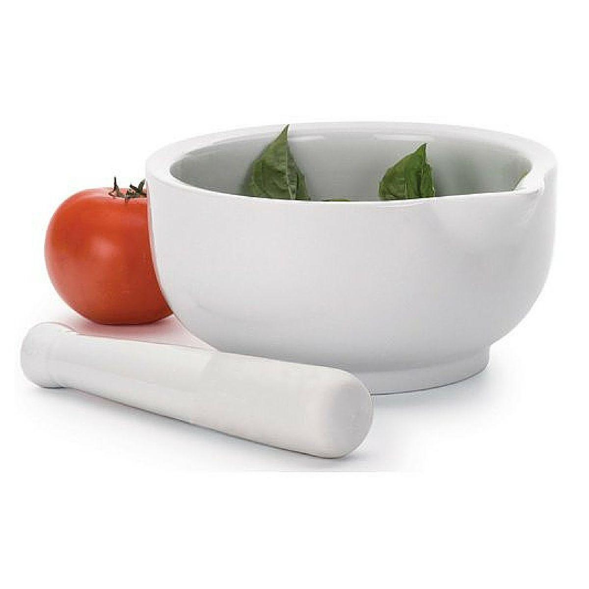 Ступка RSVP, с пестиком, цвет: белый, 1,42 л115510Эта вместительная фарфоровая ступка (диаметр 19 см) с пестиком идеальна для приготовления соусов. Разнообразьте своё меню великолепным домашним песто или сальсой!