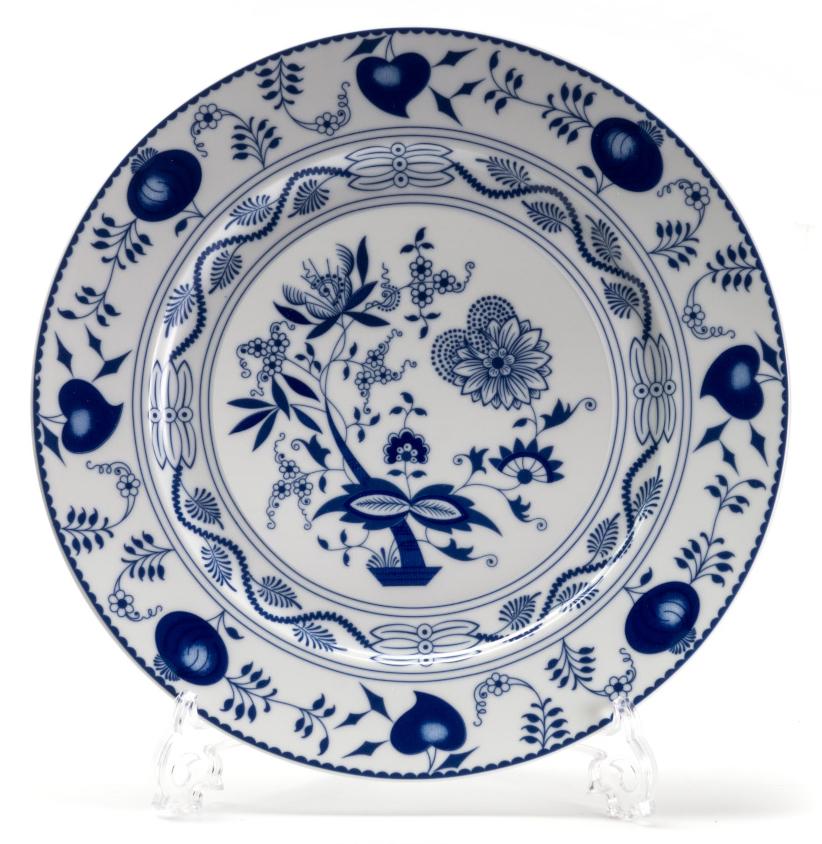 Тарелка глубокая La Rose des Sables Ognion Bleu, диаметр 27 см54 009312Тарелка La Rose des Sables Ognion Bleu, изготовленная из высококачественного фарфора, имеет классическую круглую форму. Она прекрасно впишется в интерьер вашей кухни и станет достойным дополнением к кухонному инвентарю. Тарелка La Rose des Sables Ognion Bleu подчеркнет прекрасный вкус хозяйки и станет отличным подарком.Диаметр тарелки (по верхнему краю): 27 см.