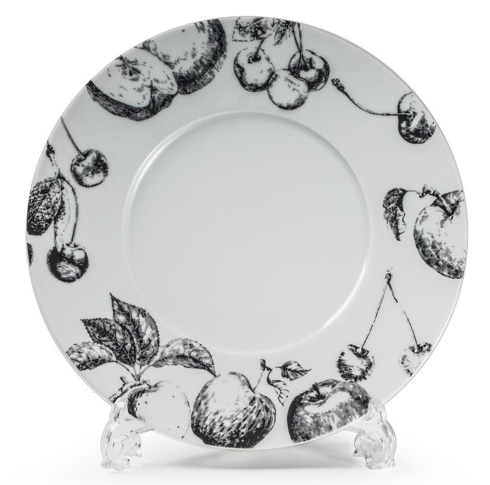 Тарелка La Rose Des Sables Black Apple, 31 см54 009312Фарфор производится в Тунисе из знаменитой своим качеством и белизной глины, добываемой во французской провинции Лимож. Преимущества этого фарфора заключаются в устойчивости к сколам и трещинам, что возможно благодаря двойному термическому обжигу. Лиможский фарфор не содержит включений тяжелых металлов, что соответствует мировым и российским санитарным требованиям. Данную серию можно использовать в СВЧ и посудомоечной машине. Приобретая лиможский фарфор, вы становитесь обладателем древних традиций и искусства фарфора.