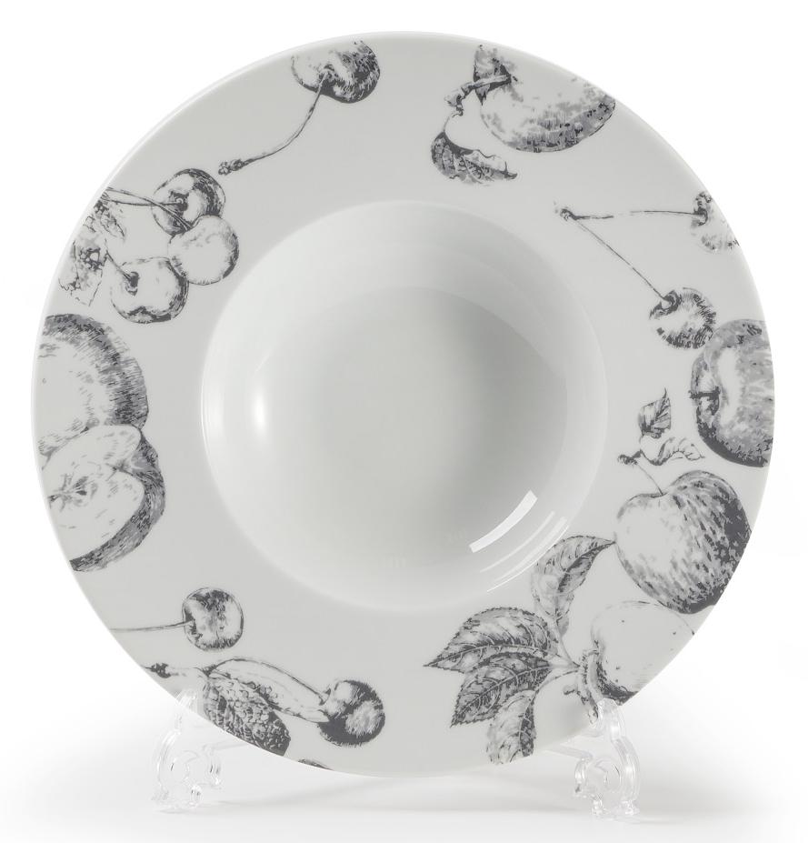 Тарелка глубокая La Rose des Sables Black Apple, диаметр 27 смVT-1520(SR)Глубокая тарелка La Rose des Sables Black Apple выполнена из высококачественного тунисского фарфора, изготовленного из уникальной белой глины. На всех изделиях La Rose des Sables можно увидеть маркировку Pate de Limoges. Это означает, что сырье для изготовления фарфора добывают во французской провинции Лимож, и качество соответствует высоким европейским стандартам. Все производство расположено в Тунисе. Особые свойства этой глины, открытые еще в 18 веке, позволяют создать удивительно тонкую, легкую и при этом прочную посуду. Благодаря двойному термическому обжигу фарфор обладает высокой ударопрочностью, жаропрочностью и великолепным блеском глазури. Коллекция Black Apple (Черное яблоко) - стильный черно-белый фруктовый декор. Прекрасный вариант посуды на каждый день. Коллекция будет отлично смотреться в любом интерьере. Можно использовать в СВЧ печи и мыть в посудомоечной машине.