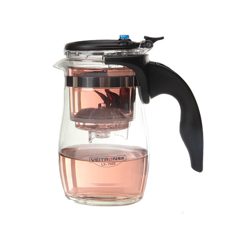 Чайник заварочный Veitron, с кнопкой, 750 мл. LX-750SVT-1520(SR)Чайник из боросиликатного стекла с кнопкой и съемной колбой. Фильтр снимается и разбирается. Номинальный объем чайника 750 мл, объем колбы 200 мл, объем заваренной жидкости 500 мл. Чайник изготовлен из пищевых материалов, безопасных для жизни и здоровья человека и окружающей среды. Предназначен для заваривания зеленого, черного, цветочного чая и кофе на 3-4 персоны. Принцип заваривания: 1) Засыпьте в колбу чай\кофе\травы и залейте кипятком, дайте заварке настояться. 2) Нажмите на кнопку: жидкость перельется из верхнего отсека в нижний. 3) По необходимости залейте заварку снова кипятком, потом нажмите на кнопку.