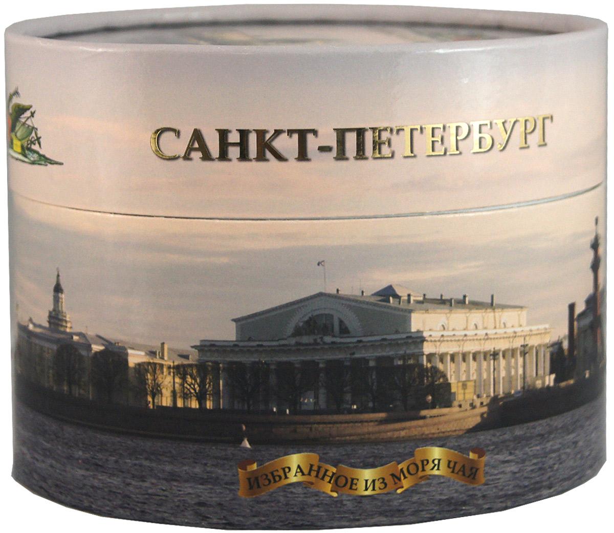 Избранное из моря чая Панорама Петербурга чай черный листовой, 75 г4791007010043Черный листовой чай Избранное из моря чая Мяч Зенит поставляется в овальной картонной коробке с видами Санкт-Петербурга.Чай стандарта ОРА (крупный лист). Листья для этого чая собирают с кустов после того, как почки полностью раскрываются. В сухой заварке листья должны быть крупными (от 8 до 15 мм) и однородными. Этот сорт практически не содержит типсов, но имеет высокое содержание ароматических масел, и поэтому настой чая очень ароматен. Также этот чай характерен вкусом с горчинкой благодаря большому содержанию дубильных веществ.Знак в виде Льва с 17 пятнышками на шкуре - это гарантия Бюро Цейлонского Чая на соответствие чая высокому стандарту качества, установленному Правительством и упакованному только в пределах Шри-Ланки.
