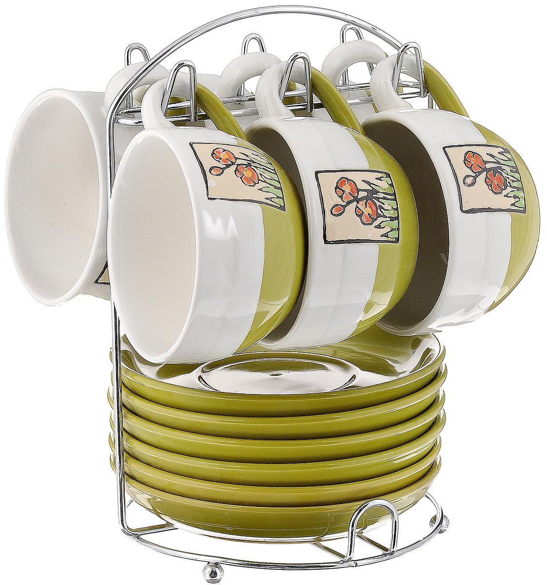 Набор чайный Calve. Маки, на подставке, 13 предметовVT-1520(SR)Набор Calve. Маки состоит из шести чашек и шести блюдец, изготовленных из высококачественного фарфора. Чашки оформлены цветочными изображениями. Изделия расположены на металлической подставке. Такой набор подходит для подачи чая или кофе.Изящный дизайн придется по вкусу и ценителям классики, и тем, кто предпочитает утонченность и изысканность. Он настроит на позитивный лад и подарит хорошее настроение с самого утра. Чайный набор Calve. Маки - идеальный и необходимый подарок для вашего дома и для ваших друзей в праздники.Можно мыть в посудомоечной машине. Объем чашки: 220 мл. Диаметр чашки (по верхнему краю): 9,5 см. Высота чашки: 6,3 см. Диаметр блюдца: 14,5 см. Высота блюдца: 2,3 см.Размер подставки: 16,5 х 16 х 22,5 см.