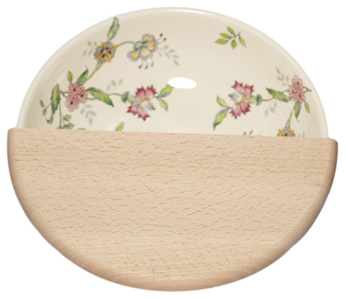 Салатник Nuova Cer Прованс, с разделочной доской, диаметр 25 смPRV-7975Салатник Nuova Cer Прованс, выполненный из высококачественной керамики, оформлен цветочным узором. Красочность оформления придется по вкусу и ценителям классики, и тем, кто предпочитает утонченность и изысканность. Салатник прекрасно впишется в интерьер вашей кухни и станет достойным дополнением к кухонному инвентарю. Изделие нельзя мыть в посудомоечной машине. В комплект также входит разделочная доска из дерева, которая компактно размещаетсяповерх салатника для нарезки овощей непосредственно в емкость. Диаметр салатника (по верхнему краю): 25 см. Высота салатника: 8 см.