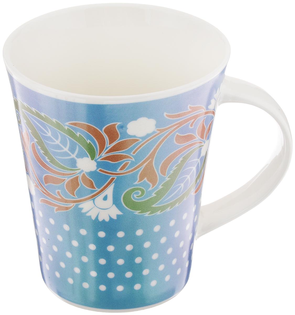 Кружка Miolla Узор 6, цвет: голубой, белый, зеленый, 380 мл115510Кружка Miolla Узор 6 изготовлена из высококачественного фарфора, покрытой слоем глазури, и оформлена красивым рисунком. Такая кружка станет неизменным атрибутом чаепития, подойдет как для офиса, так и для дома. Подходит для использования в микроволновой печи и посудомоечной машине. Диаметр (по верхнему краю): 9 см.