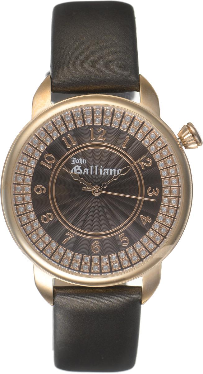 Часы наручные женские Galliano, цвет: коричневый. R2551126501BM8434-58AEНаручные женские часы Galliano произведены из материалов самого высокого качества на базе новейших технологий.Они оснащены точным кварцевым механизмом. Корпус часов изготовлен из нержавеющей стали с PVD-покрытием, циферблат инкрустирован стразами и защищен минеральным стеклом. Ремешок выполнен из натуральной кожи иоснащен классической застежкой-пряжкой.Циферблат круглой формы оснащен арабскими цифрами, а так же тремя стрелками - часовой, минутной и секундной. Часы являются водостойкими - 3АТМ.Изделие укомплектовано в стильную фирменную коробку с названием бренда.Наручные часы Galliano созданы для современных девушек, которые не желают потерять свою индивидуальность в городской суете.
