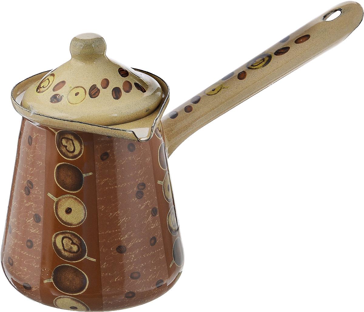 Турка Calve, с крышкой, цвет: бежевый, коричневый, 500 мл54 009312Турка Calve, изготовленная из высококачественной стали, предназначена для приготовления кофе. Внешние стенки турки оформлены изящным рисунком с изображением кофейных зерен. Изделие имеет широкое горлышко, специальный носик и крышку. Рукоятка снабжена специальным отверстием, благодаря которому изделие можно подвесить на крючок. Кофе в турке варится очень просто. Насыпьте молотый кофе, залейте водой и варите на слабом огне, не доводя до кипения. Чем дольше кофе варить, тем крепче он становится. Подходит для всех видов плит, включая индукционные. Диаметр турки (по верхнему краю): 8 см. Длина ручки: 13 см.Высота стенки: 10 см.
