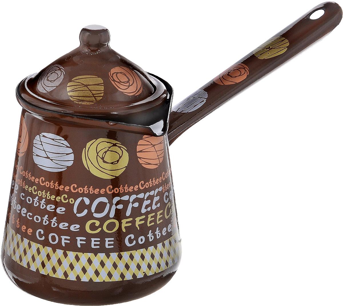 Турка Calve, с крышкой, цвет: коричневый, 700 мл391602Турка Calve, изготовленная из высококачественной стали, предназначена для приготовления кофе. Внешние стенки турки оформлены изящным рисунком с изображением надписей Coffe. Изделие имеет широкое горлышко,специальный носик и крышку. Рукоятка снабжена специальным отверстием, благодаря которому изделие можно подвесить на крючок. Кофе в турке варится очень просто. Насыпьте молотый кофе, залейте водой и варите на слабом огне, не доводя до кипения. Чем дольше кофе варить, тем крепче он становится. Подходит для всех видов плит, включая индукционные. Диаметр турки (по верхнему краю): 9,5 см. Длина ручки: 14,5 см.Высота стенки: 12,5 см.