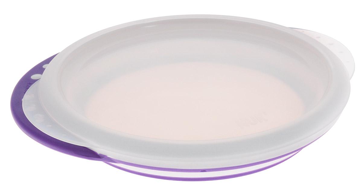 NUK Тарелка детская Easy Learning от 8 месяцев цвет сиреневый10255049_сиреневыйМелкая пластиковая тарелка Easy Learning с удобными нескользкими ручками и крышкой идеальна для приготовления, кормления малыша и самостоятельного приема пищи. Наклонные края тарелки облегчают зачерпывание пищи, а нескользкое дно гарантирует устойчивое положение тарелки на поверхности. Набор состоит из тарелки и крышки. Тарелку можно использовать в микроволновых печах и посудомоечных машинах.Характеристики:Рекомендуемый возраст: от 8 месяцев.Высота стенки тарелки: 3 см.Диаметр по верхнему краю: 17 см..