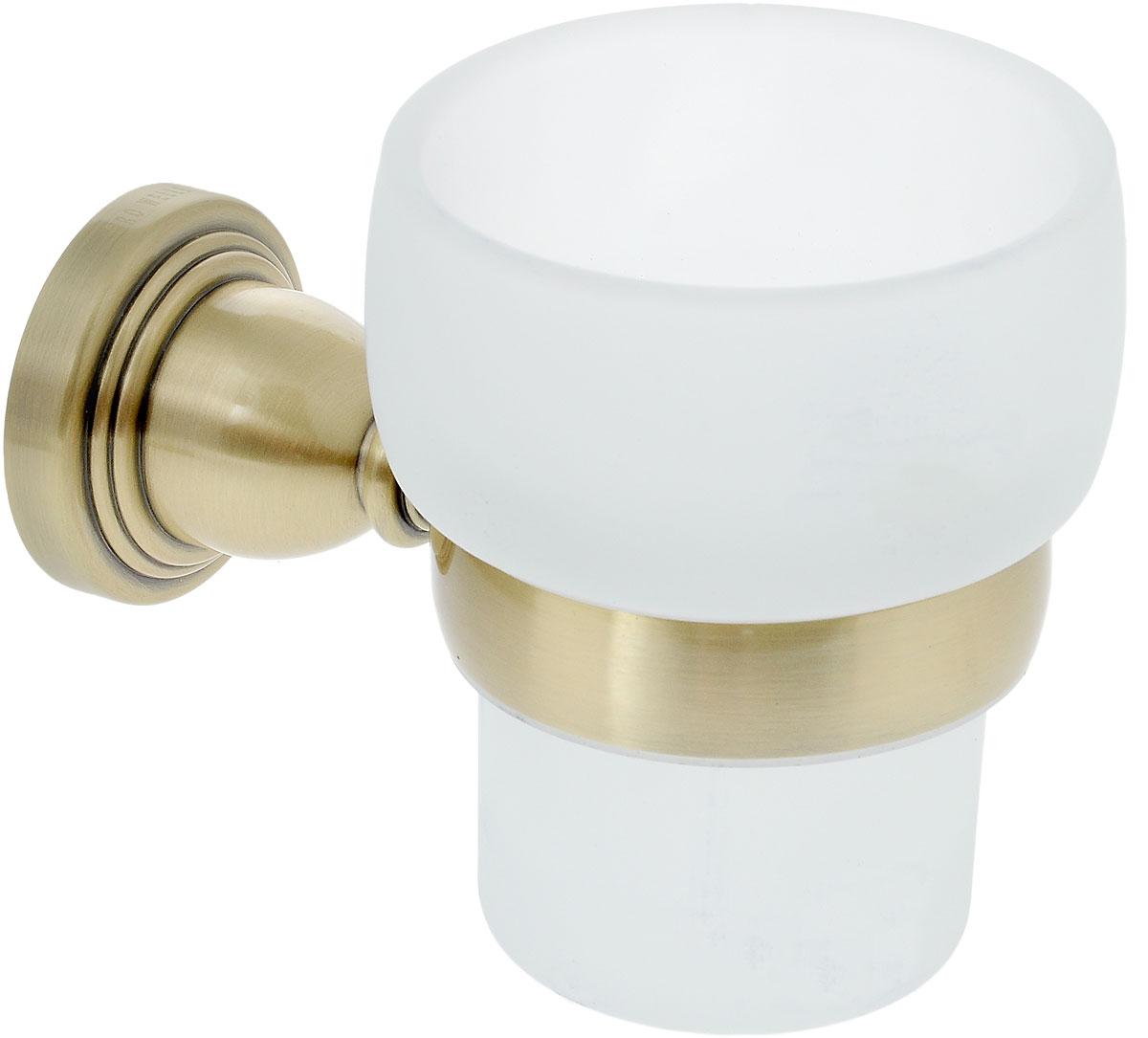 Стакан подвесной Gro Welle Muskat68/5/3Стакан для ванной комнаты Gro Welle Muskat изготовлен из высококачественного матового стекла. Для стакана предусмотрен специальный держатель, выполненный из латуни с хромированным покрытием. Хромоникелевое покрытие Crystallight придает изделию яркий металлический блеск и эстетичный внешний вид. Имеет водоотталкивающие свойства, благодаря которым защищает изделие. Устойчив к кислотным и щелочным чистящим средствам. Изделие быстро и просто крепится к стене, крепежные материалы входят в комплект. В стакане удобно хранить зубные щетки, пасту и другие принадлежности. Диаметр стакана по верхнему краю: 8 см.Высота стакана: 10 см.Отступ стакана от стены: 12,8 см.