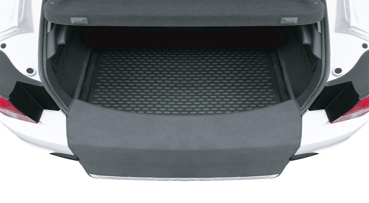 Kоврик погрузочный Element, универсальный, в багажник1S.061.000Погрузочный коврик Element эффективно защищает одежду от грязи, а бампер от повреждений. Внизу коврика нашита светоотражающая полоска, которая, увеличивает безопасность погрузки и разгрузки в темное время суток.Погрузочный коврик универсален и может быть установлен на абсолютно любые ковры в багажник. В сложенном виде изделие занимает мало места в багажнике.Погрузочный коврик изготовлен из высококачественного водостойкого материала. Данный продукт очень прост в использовании. При необходимости вы просто разворачиваете коврик, а после использование сворачиваете.