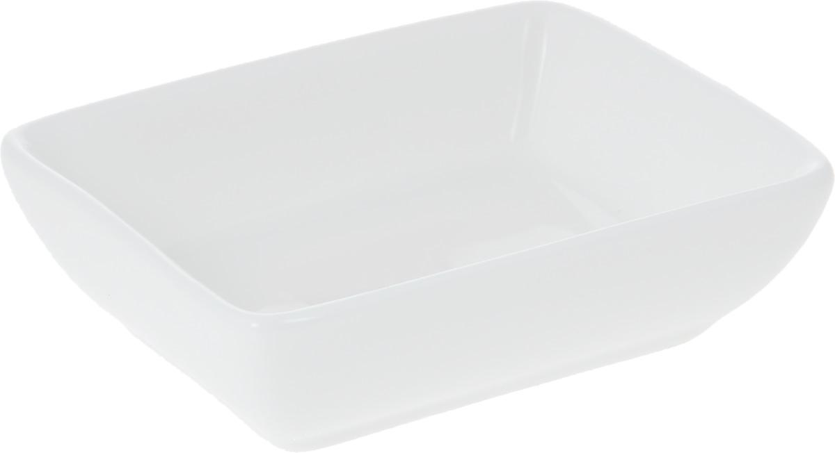 Блюдце для соуса Wilmax, 8 х 6 см115510Блюдце для соуса Wilmax прямоугольной формы изготовлено из высококачественного фарфора, покрытого слоем глазури. Изделие предназначено для подачи соусов, варенья или меда. Такое блюдце пригодится в любом хозяйстве, оно подойдет как для праздничного стола, так и для повседневного использования. Изделие функциональное, практичное и легкое в уходе.
