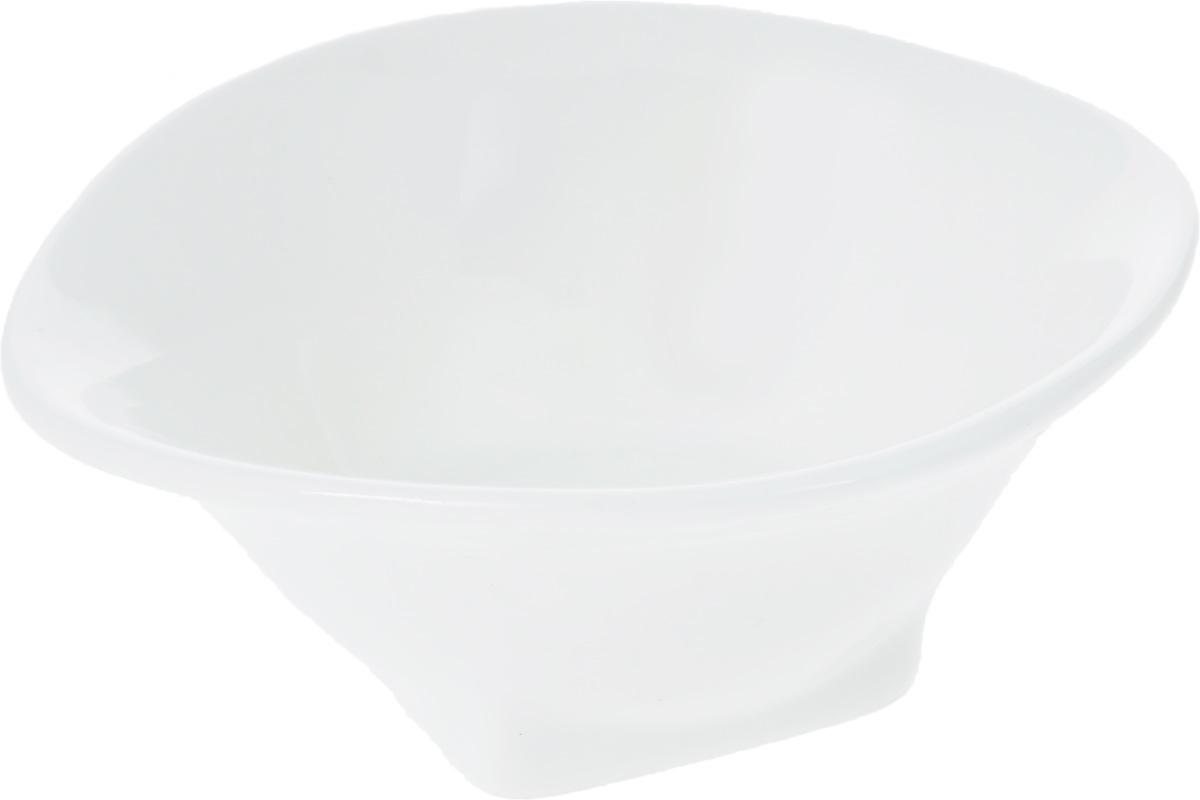 Салатник Wilmax, 10 х 8,5 см54 009312Салатник Wilmax изготовлен из высококачественного фарфора, покрытого слоем глазури. Предназначен для подачи соусов или варенья, а также некоторых видов закусок. Такой салатник пригодится в любом хозяйстве, он подойдет как для праздничного стола, так и для повседневного использования. Изделие функциональное, практичное и легкое в уходе.