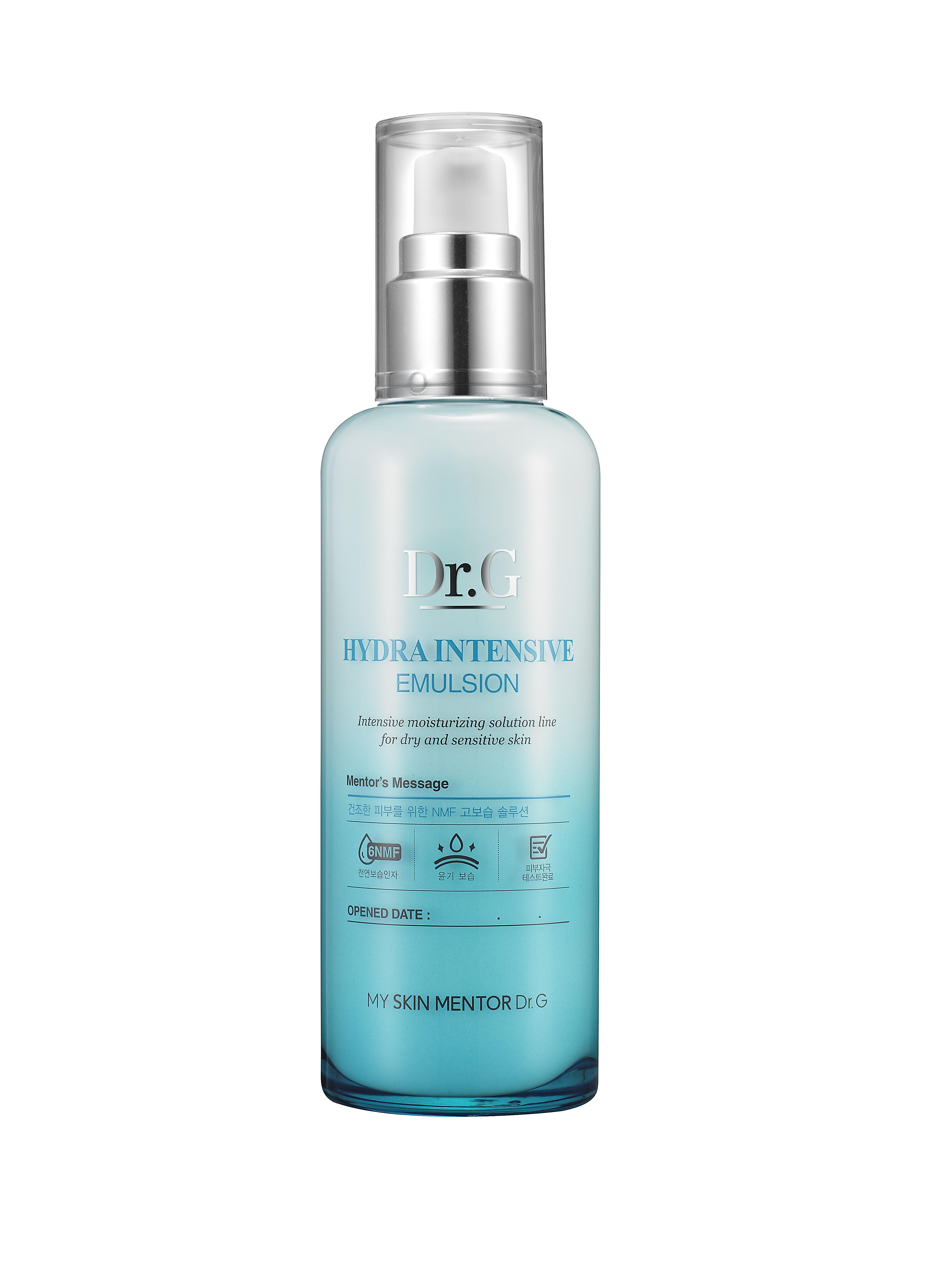 Dr. G Пенка для умывания очищающий увлажняющий Hydra, 120 мл5902596005016Пенка для интенсивного увлажнения и очищения кожи лица с усиленным NMF (натуральным увлажняющим фактором). Создает богатую густую пену. Оптимизирует влагообмен. Нейтрализует раздражение при чувствительной коже. NMF улучшает роговой слой и внешний вид кожи. Борется с воспалением и краснотой. Придает коже бархатистость и гладкость. Пенка насыщена экстрактами сосны и юкки, а также маслом виноградных косточек. Экстракт сосны является сильным антиоксидантом, улучшает состояние сосудов и предотвращает разрушение коллагена и эластина. Экстракт юкки содержит стероидные сапонины, полифенолы флавоноидной структуры. Обладает противовоспалительным эффектом, «ловит» свободные радикалы. Масло виноградных косточек регулирует саловыделение, сужает поры, при этом выравнивая тон и улучшает кожный покров.Не содержит содиум лаурил сульфата (SLS).