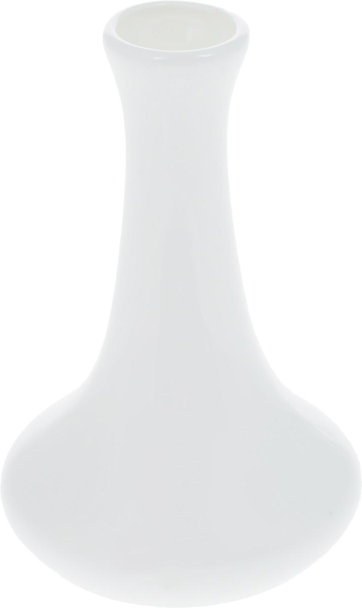 Ваза для цветов Wilmax, высота 15 смFS-80264Ваза для цветов Wilmax изготовлена из высококачественного фарфора, покрытого глазурью. Изделие отлично подходит для небольших цветов и декоративных композиций. Такая ваза отличается стильным лаконичным дизайном и качеством исполнения, она подойдет к любому интерьеру и красиво дополнит окружающую обстановку. Диаметр основания: 7 см.