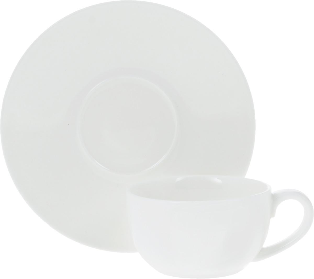 Чайная пара Wilmax, 2 предмета507779Чайная пара Wilmax состоит из чашки и блюдца, выполненных из высококачественного фарфора и оформленных в классическом стиле. Оригинальный дизайн, несомненно, придется вам по вкусу. Чайная пара Wilmax украсит ваш кухонный стол, а также станет замечательным подарком к любому празднику.Объем чашки: 250 мл.Диаметр чашки (по верхнему краю): 9,5 см.Диаметр дна чашки: 4,5 см.Высота чашки: 6 см.Диаметр блюдца: 15 см.