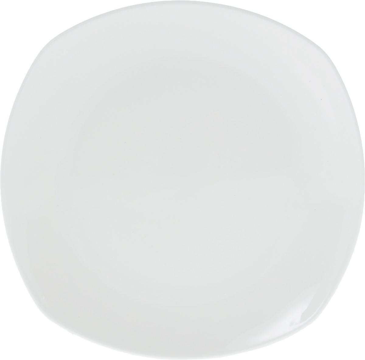 Тарелка Wilmax, 19,5 х 19,5 смVT-1520(SR)Тарелка Wilmax, изготовленная из высококачественного фарфора, имеет оригинальную форму. Изящный дизайн придется по вкусу и ценителям классики, и тем, кто предпочитает утонченность и изысканность. Тарелка Wilmax идеально подойдет для сервировки стола и станет отличным подарком к любому празднику.Можно мыть в посудомоечной машине и использовать в микроволновой печи. Размер тарелки (по верхнему краю): 19,5 х 19,5 см.