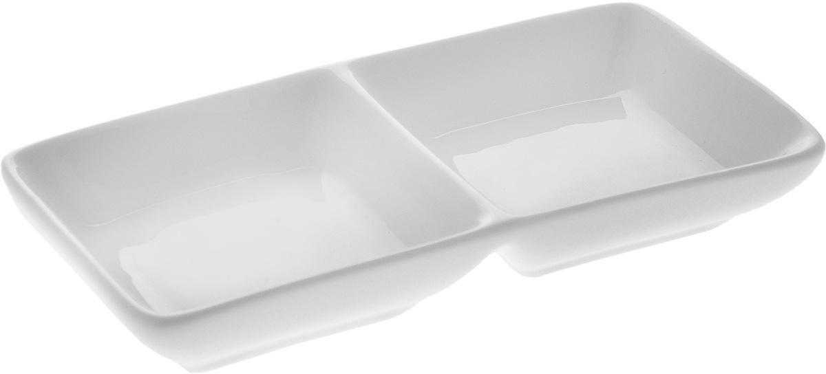 Менажница Wilmax, 2 секции. WL-992415401-428_индивидуальная упаковкаМенажница Wilmax, изготовленная из высококачественного фарфора, состоит из 2 секций. Изделие предназначено для подачи сразу нескольких видов закусок, соусов и варенья.Оригинальная менажница Wilmax станет настоящим украшением праздничного стола и подчеркнет ваш изысканный вкус. Размер менажницы: 14,5 х 7 х 2,5 см.Размер секций: 7 х 7 см.