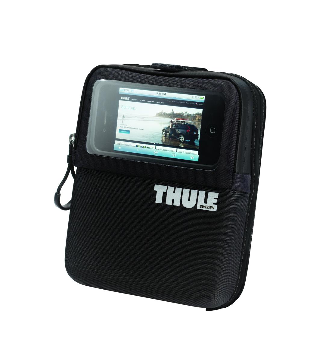 Сумка на руль Thule Pack n Pedal Bike Wallet, для смартфонов и мелочей, цвет: черный, 1,25 л100004Органайзер для смартфонов, ключей и других мелких предметов. Удобный доступ к устройствам GPS-навигации благодаря прозрачной крышке.Легкая установка и снятие с размещаемой на руле системы Thule Pack 'n Pedal Handlebar Attachment.Накидка от дождя в комплекте.