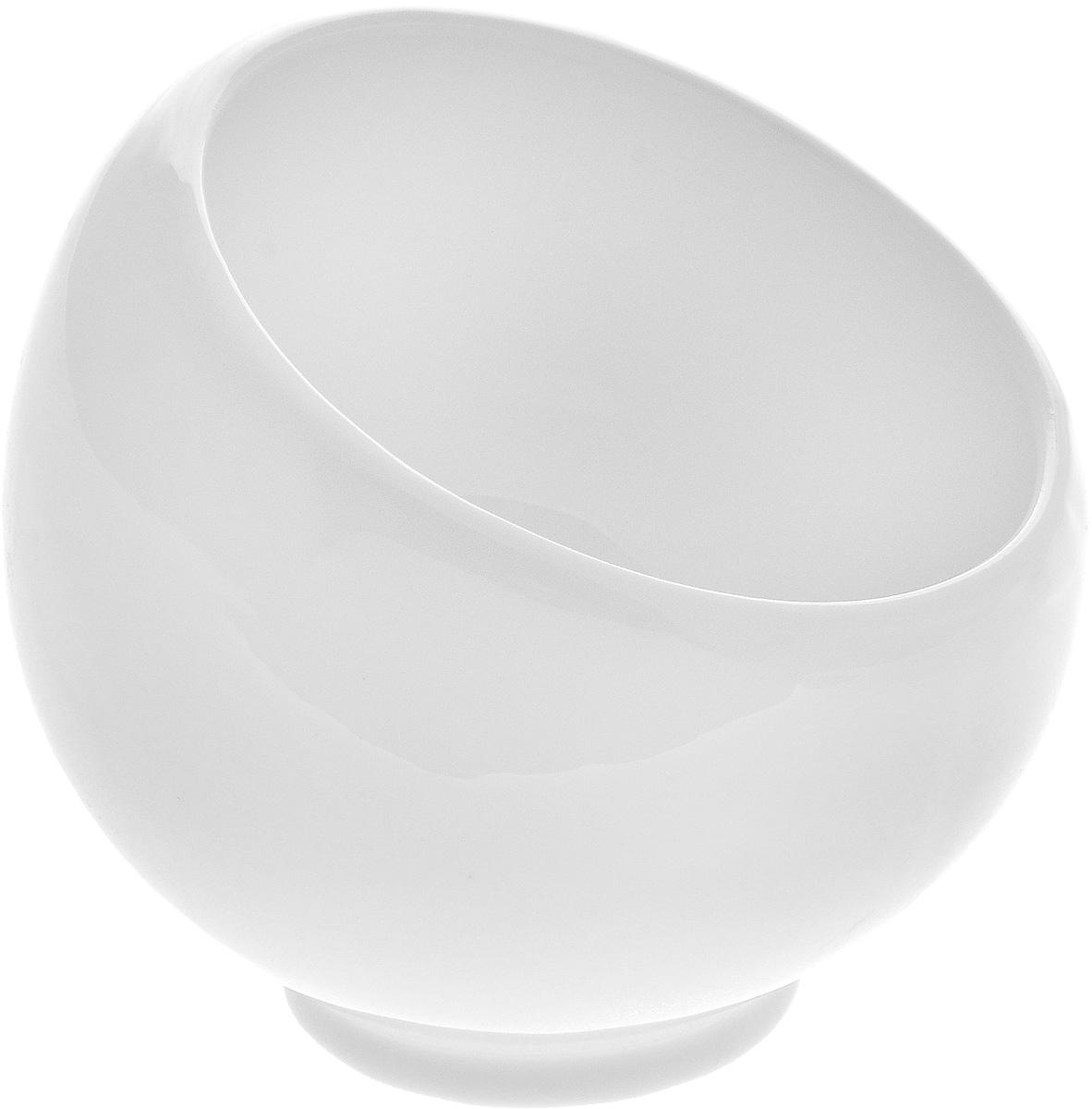 Сахарница Wilmax, 220 млWL-995000 / AСахарница Wilmax выполнена из высококачественного фарфора с глазурованным покрытием. Изделие имеет элегантную форму и может использоваться в качестве креманки. Десерт, поданный в такой посуде, будет ещё более сладким. br>Сахарница Wilmax станет отличным дополнением к сервировке семейного стола и замечательным подарком для ваших родных и друзей.Можно мыть в посудомоечной машине и использовать в микроволновой печи. Диаметр (по верхнему краю): 8,5 см. Высота (без учета крышки): 9 см.