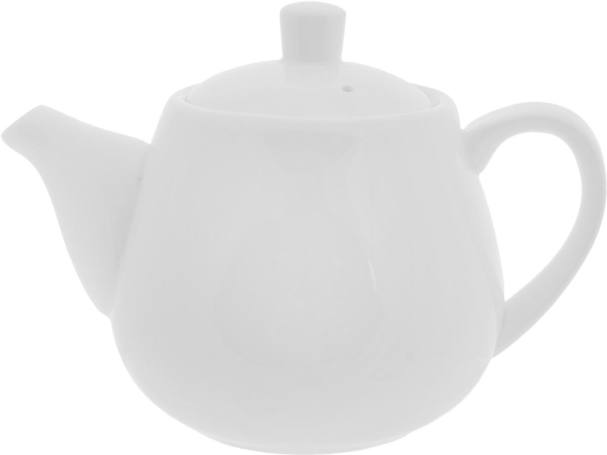 Чайник заварочный Wilmax, 700 мл54 009312Заварочный чайник Wilmax изготовлен из высококачественного фарфора. Глазурованное покрытие обеспечивает легкую очистку. Изделие прекрасно подходит для заваривания вкусного и ароматного чая, а также травяных настоев. Ситечко в основании носика препятствует попаданию чаинок в чашку. Оригинальный дизайн сделает чайник настоящим украшением стола. Он удобен в использовании и понравится каждому.Можно мыть в посудомоечной машине и использовать в микроволновой печи. Диаметр чайника (по верхнему краю): 8 см. Высота чайника (без учета крышки): 10,2 см.