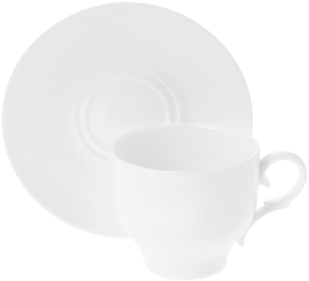 Чайная пара Wilmax, 2 предмета. WL-993009391602Чайная пара Wilmax состоит из чашки и блюдца, выполненных из высококачественного фарфора и оформленных в классическом стиле. Оригинальный дизайн обязательно придется вам по вкусу. Чайная пара Wilmax украсит ваш кухонный стол, а также станет замечательным подарком к любому празднику.Объем чашки: 220 мл.Диаметр чашки (по верхнему краю): 8 см.Диаметр основания чашки: 4,5 см.Высота чашки: 7 см.Диаметр блюдца: 14 см.