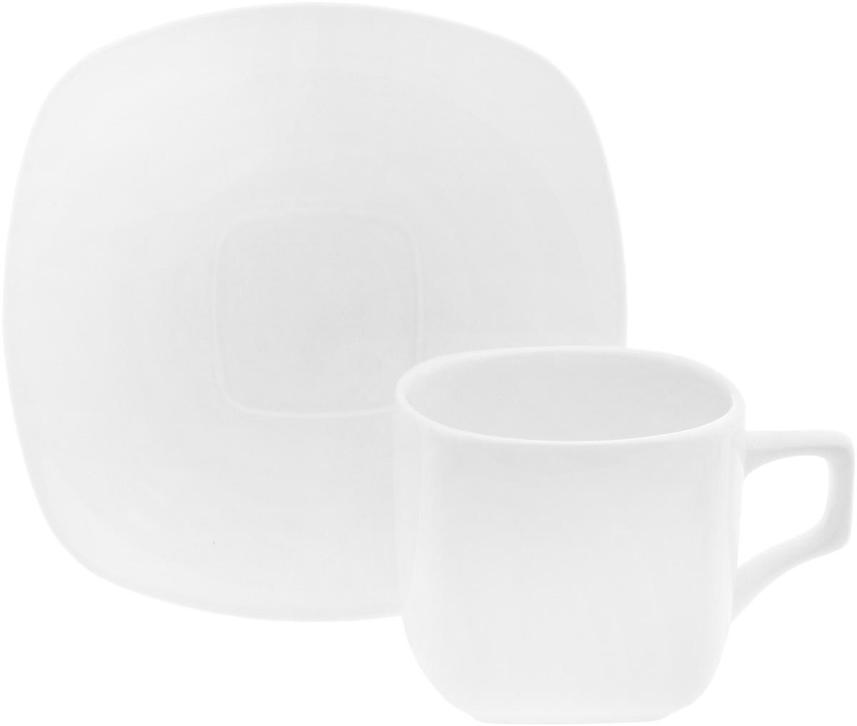 Чайная пара Wilmax, 2 предмета. WL-993003/1C54 009312Чайная пара Wilmax состоит из чашки и блюдца. Изделия выполнены из высококачественного фарфора и имеют необычную форму. Оригинальный дизайн, несомненно, придется вам по вкусу. Чайная пара Wilmax украсит ваш кухонный стол, а также станет замечательным подарком к любому празднику.Объем чашки: 200 мл.Размер чашки (по верхнему краю): 7,5 х 7,5 см.Высота чашки: 6,5 см.Размер блюдца: 14,5х 14,5 см.Высота блюдца: 2 см.