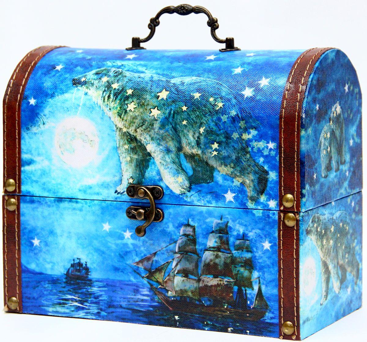 Шкатулка декоративная Magic Home Большая медведица, цвет: синий, 22 х 11 х 17,5 см41619Декоративная шкатулка Magic Home Большая медведица, выполненная из МДФ, оформлена ярким цветным изображением. Изделие закрывается на металлический замок и оснащено оригинальной ручкой под старину для переноски.Такая шкатулка может использоваться для хранения бижутерии, предметов рукоделия, в качестве украшения интерьера, а также послужит хорошим подарком для человека, ценящего практичные и оригинальные вещицы.