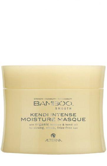 Alterna Полирующая маска для интенсивного увлажнения волос Bamboo Smooth Kendi Intense Conditioning Masque - 150 млFS-54114Насыщенная маска Alterna Bamboo Smooth Kendi Intense Moisture Masque глубоко насыщает волосы необходимыми жизненно важными питательными элементами, интенсивно увлажняет волосы, придавая им здоровый вид и блеск. Укрепляет волосы, а благодаря органическому маслу Кенди, волосы приобретают гладкость, завитки вьющихся волос выравниваются и волосы становятся послушными как никогда ранее. Маска преобразует жесткие и непокорные волосы в ровные, гладкие и ухоженные волосы. Она укрепляет фолликулы волос, разглаживает секущиеся кончики и убирает пушистость, благодаря чему волосы приобретают жизненную силу, ухоженный и здоровый вид. Результат: После применения маски, волосы легко поддаются укладке, становятся послушными и легко управляемыми. В состав маски с экстрактом бамбука входит технология Color Hold, которая позволяет продлить стойкость цвета, усиливает его насыщенность и яркость, а волосам придает сияющий блеск.