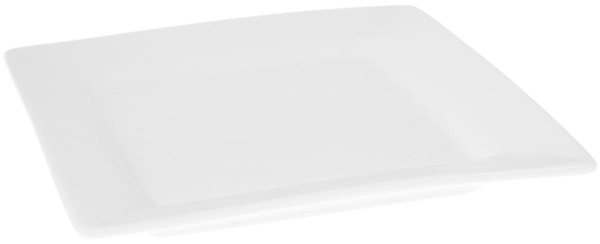Тарелка Wilmax, 18,5 х 18,5 см115510Оригинальная квадратная тарелка Wilmax изготовлена из высококачественного фарфора с глазурованным покрытием. Блюдо Wilmax идеально подойдет для сервировки стола и станет отличным подарком к любому празднику. Можно мыть в посудомоечной машине и использовать в микроволновой печи. Размер блюда (по верхнему краю): 18,5 х 18,5 см.Высота стенки: 2,5 см.