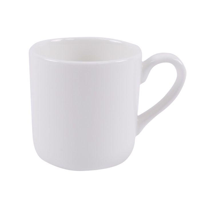 Чашка чайная Ariane Джульет, 120 мл115510Чайная чашка Ariane Джульет выполнена из высококачественного фарфора с глазурованным покрытием. Изделие оснащено удобной ручкой.Уникальный состав сырья, новейшие технологии и контроль качества гарантируют: снижение риска сколов, повышение термической и механической прочности, высокую сопротивляемость шоковым воздействиям, высокую устойчивость к истиранию, устойчивость к царапинам, гладкий и блестящий внешний вид, абсолютную функциональность, относительную безопасность в случае боя, защиту от деформации.Нежнейший дизайн и белоснежность изделия дарят ощущение легкости и безмятежности. Изысканная чашка прекрасно оформит стол к чаепитию и станет его неизменным атрибутом.Можно мыть в посудомоечной машине и использовать в СВЧ без потери внешнего вида.