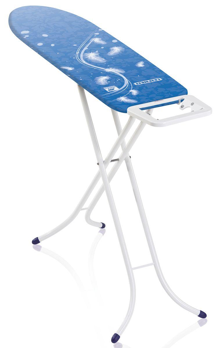 Доска гладильная Leifheit Airboard Compact S, цвет: белый, голубой, 110 х 30 см72584Гладильная доска Leifheit AirBoard Compact S станет незаменимой помощницей в глажении белья. Очень существенная особенность - это ее легкий вес, доска на 25% легче аналогичных досок благодаря гладильной поверхности из вспененного пластика. Чехол из хлопка с поверхностью Thermo Reflect позволяет гладить на 33% быстрее. Благодаря эксклюзивной технологии отражающей поверхности белье гладится сразу с двух сторон. Форма доски идеальна для глажения любого текстиля, а также рубашек и блузок. Доска очень устойчива. Металлические ножки снабжены пластиковыми вставками. Новый механизм регулировки высоты обеспечивает большую безопасность и устойчивость. Доска снабжена фиксированной подставкой под утюг. Надежная доска, отличающаяся легкостью и компактностью.Регулировка по высоте: 75-88 см. Размер доски: 110 х 30 см.