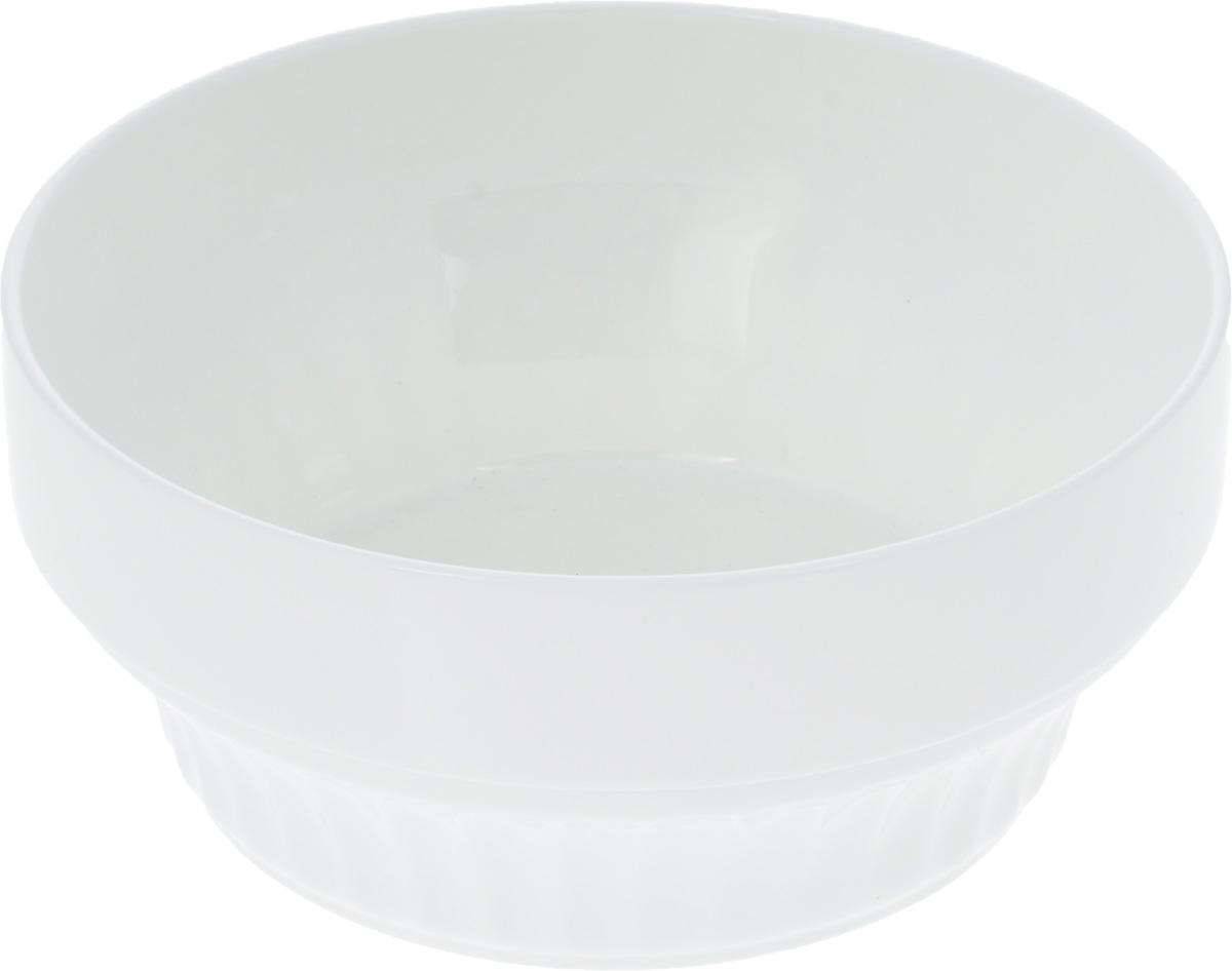 Салатник Wilmax, 2 л. WL-992563115010Салатник Wilmax, изготовленный из высококачественного фарфора с глазурованным покрытием, прекрасно подойдет для подачи различных блюд: закусок, салатов или фруктов. Такой салатник украсит ваш праздничный или обеденный стол, а оригинальный дизайн придется по вкусу и ценителям классики, и тем, кто предпочитает утонченность и изысканность.