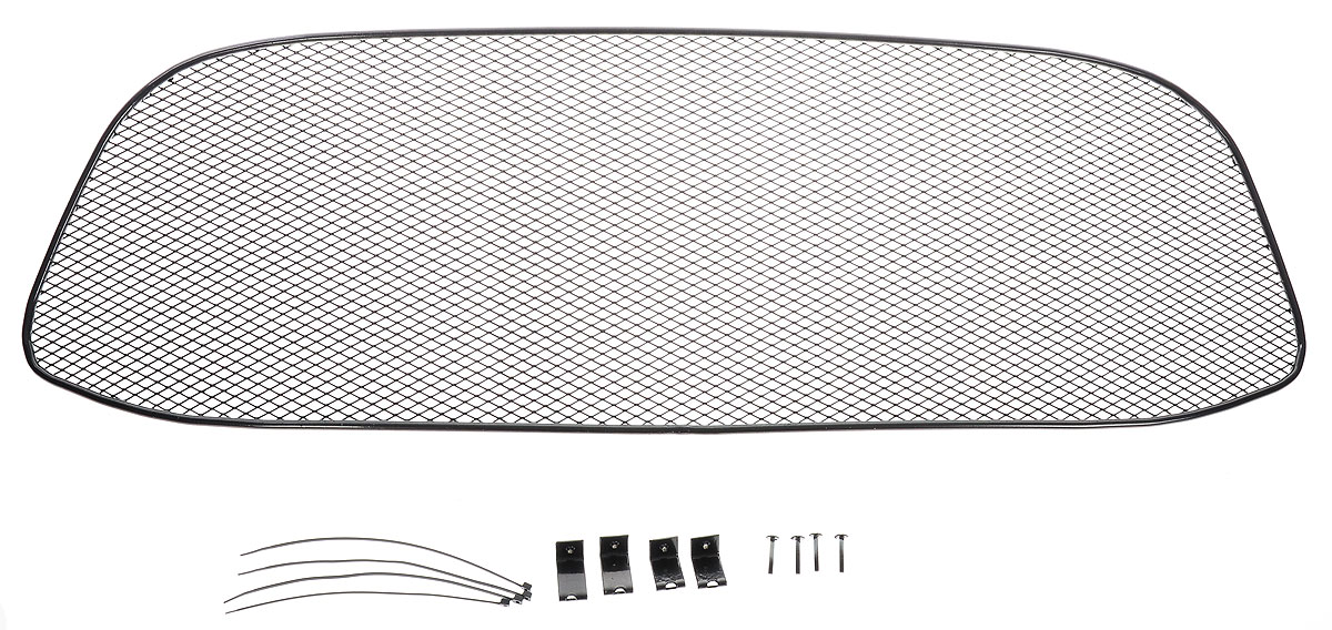 Сетка для защиты радиатора Novline-Autofamily, для LADA Kalina 2014->1004900000360Сетка для защиты радиатора Novline-Autofamily изготовлена из антикоррозионного материала, что гарантирует отсутствие ржавчины в процессе эксплуатации. Изделие устанавливается на штатную решетку переднего бампера автомобиля, защищая таким образом радиатор от попадания камней, крупных насекомых, мелких птиц. Простая установка делает это изделие необыкновенно удобным. В отличие от универсальных сеток, для установки которых требуется снятие бампера, то есть наличие специализированных навыков и дополнительного оборудования (подъемник и так далее), для установки этой сетки понадобится 20 минут времени и отвертка. Данный продукт разработан индивидуально под каждый бампер автомобиля. Внешняя защитная сетка радиатора полностью повторяет геометрию решетки бампера и гармонично вписывается в общий стиль автомобиля.