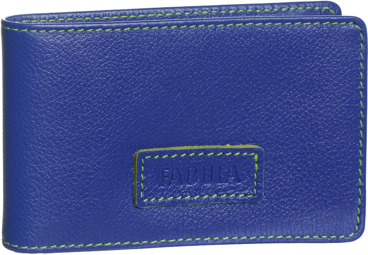 Визитница женская Fabula Ultra, цвет: синий. V.90.FPB16-11416Стильная горизонтальная визитница Fabula Ultra выполнена из натуральной кожи, оформлена нашивкой с тиснением в виде названия бренда и контрастной отстрочкой.Изделие раскладывается пополам. Внутри визитницы расположен вкладыш из прозрачного ПВХ, который включает в себя двадцать файлов для визиток или кредитных карт. Изделие поставляется в фирменной упаковке.Визитница Fabula Ultra станет отличным подарком для человека, ценящего качественные и практичные вещи.