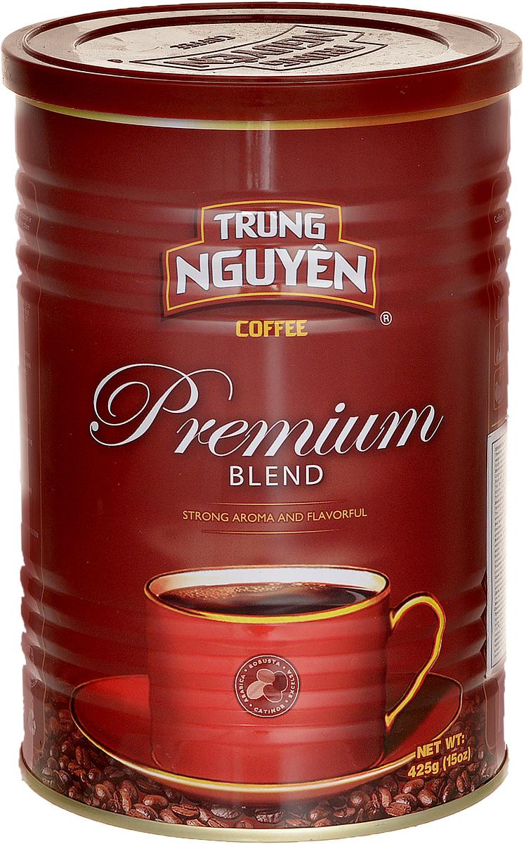 Trung Nguyen Premium Blend кофе молотый, 425 г0120710Trung Nguyen Premium Blend - тонкий и сбалансированный купаж из четырех сортов кофе: Арабики, Робусты, Катимора, Эксцельзы. Добавление натуральных ароматизаторов Сливочное Масло и Какао делает его единственным в своем роде. Это достигается в том числе и благодаря традиционному использованию масел в процессе обжига. Premium Blend - потрясающий кофе средне-грубого помола, с относительно невысоким содержанием кофеина, обладающий приятной кислинкой и стойким послевкусием какао. Коллекция Blend – культовый лидер Вьетнама, именно эта коллекция сделала компанию Trung Nguyen известной во всем мире.